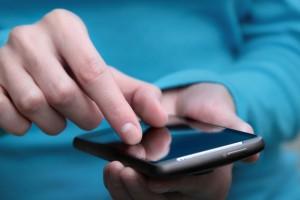 121218 ecommerce  comercio electronico smartphone comprar XL