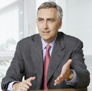 Peter Löscher no ha conseguido hacer frente a la crisis con Siemens, un papel que le tocará asumir a Joe Kaeser si es elegido CEO mañana.
