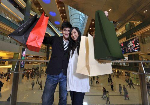 Los compradores chinos serán los que más gasten en Internet durante este año, superando por primera vez a los consumidores estadounidenses.