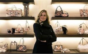 Angela Ahrendt fue CEO de Burberries desde el año 2006.