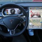 Tesla lanza un coche conectado, eléctrico y sin botones