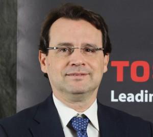Emilio Dumas, Toshiba Profesional