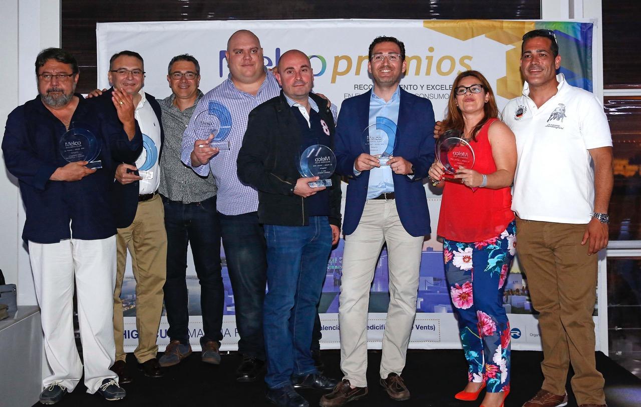 Recogiendo los galardones de los premios Melco