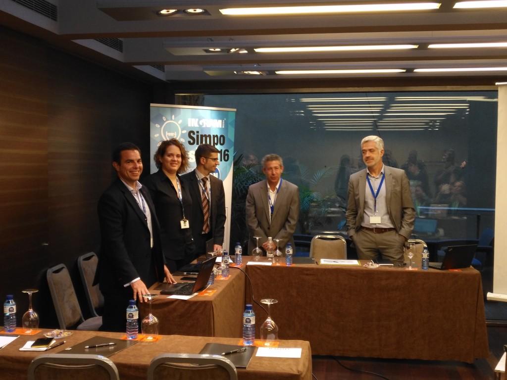 Los responsables de Ingram Micro, durante el encuentro con los medios especializados